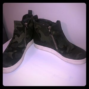 Steve Madden camo wedge sneakers